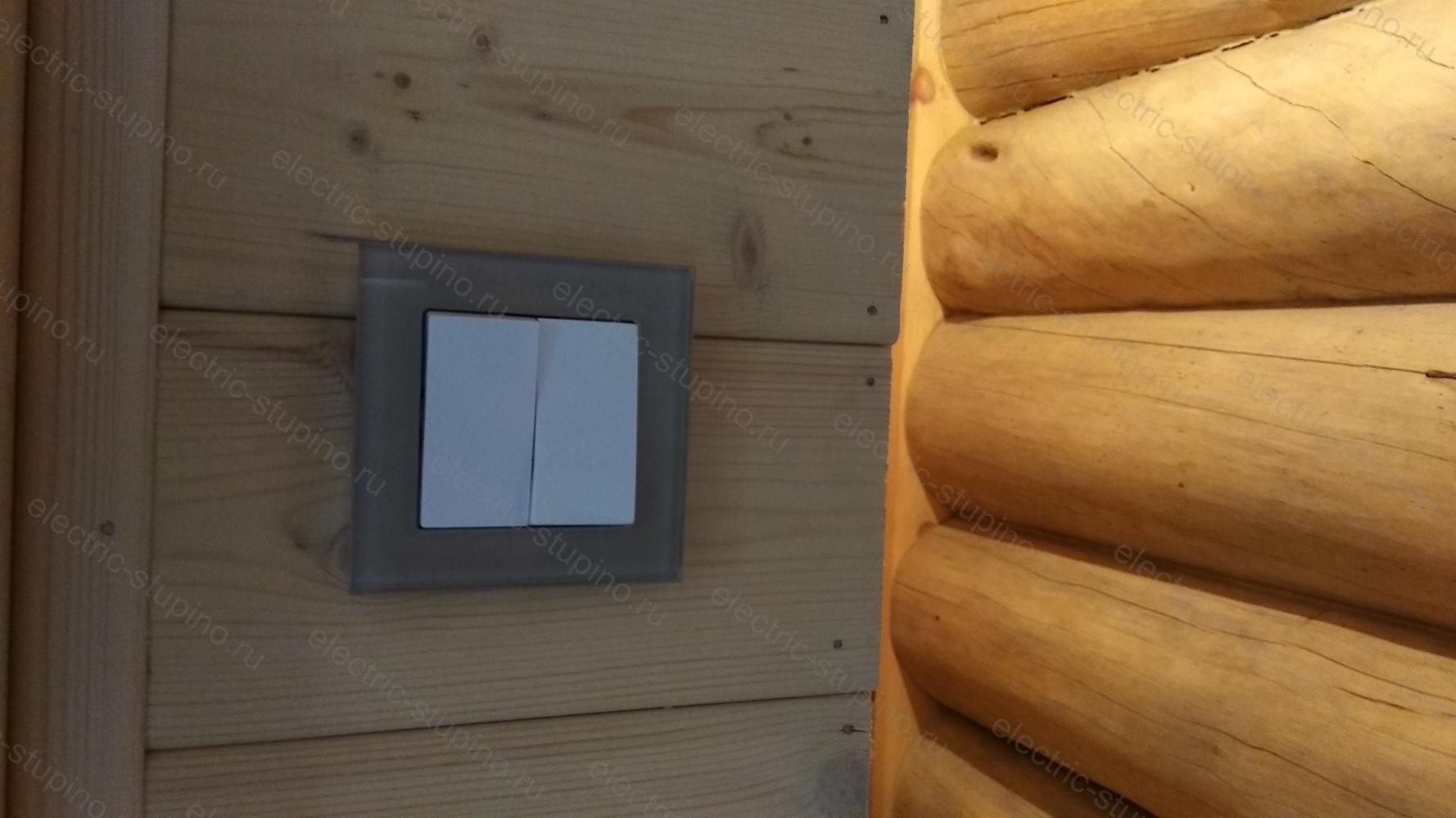 Установка внутренних розеток и выключателей в деревянном доме